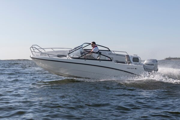 amt-190-br-ym20-e-01-boatsolutions-ammersee
