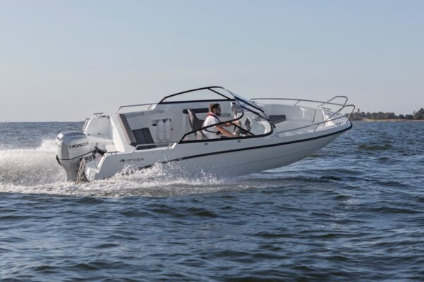 amt-190-br-ym20-e-02-boatsolutions-ammsersee