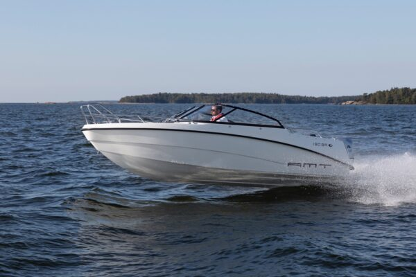 amt-190-br-ym20-e-03boatsolutions-ammmersee