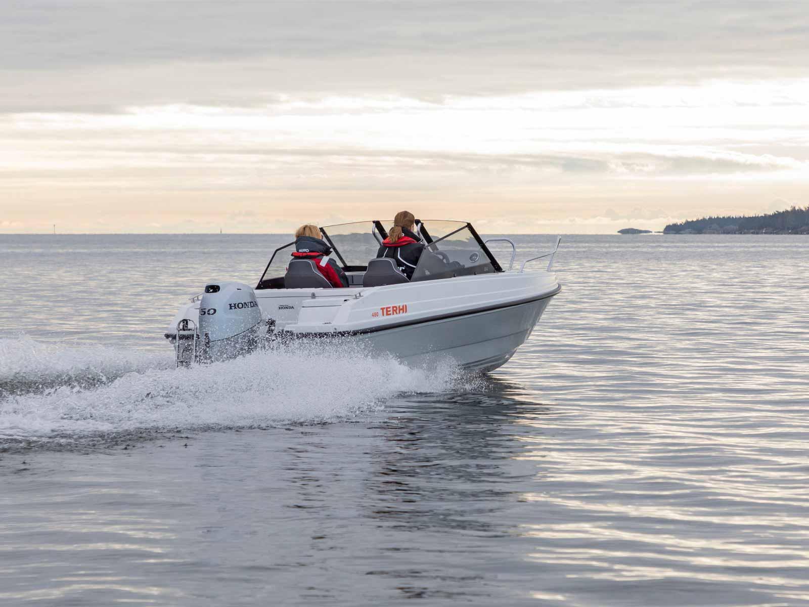 Motorboot kaufen – neu oder gebraucht?