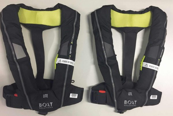 2 Spinlock-Automatik-Rettungswesten erhalten Sie bei einem Bootskauf auf der boot Düsseldorf 2020 gratis dazu   Climbers Paradise