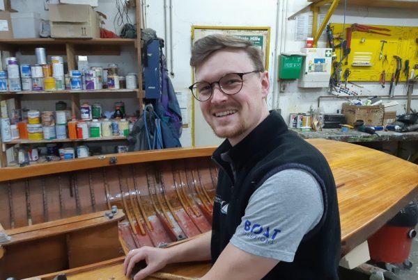 Bootsbauer Jonas Ortner erzählt von seinem Berufsalltag, Foto: Jonas Ortner   Boat Solutions