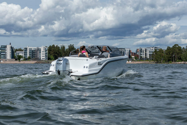 Silver-Puma-BRz-21YM-act-a-005-boatsolutions-ammersee