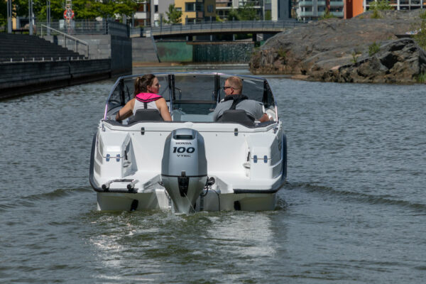 Silver-Puma-BRz-21YM-act-a-006-boatsolutions-ammersee