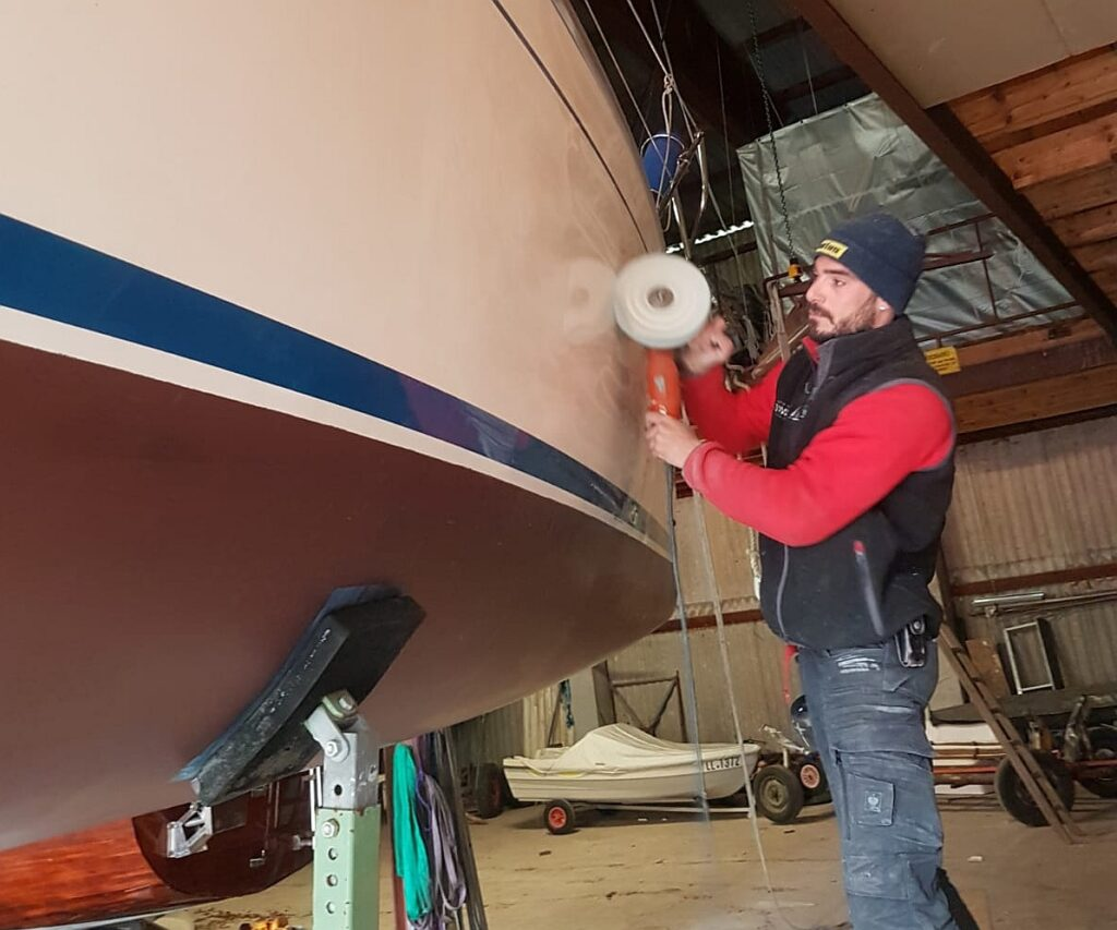 Professionell das Boot polieren | Boat Solutions, Utting am Ammersee
